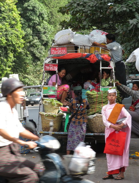 Dans les rues de Mandalay